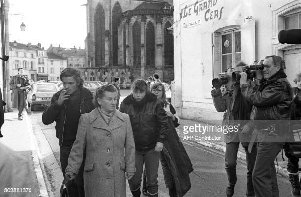 La bellesoeur de Bernard Laroche Murielle Bolle arrive au Palais de Justice d'Epinal le 29 janvier 1985 pour une confrontation avec les gendarmes de...