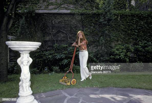 Dalida chez elle pictures getty images for Le jardin de montmartre