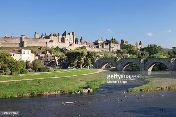 La Cite, medieval fortress city, bridge over River Aude, Carcassonne, UNESCO World Heritage Site, Languedoc-Roussillon, southern France, France