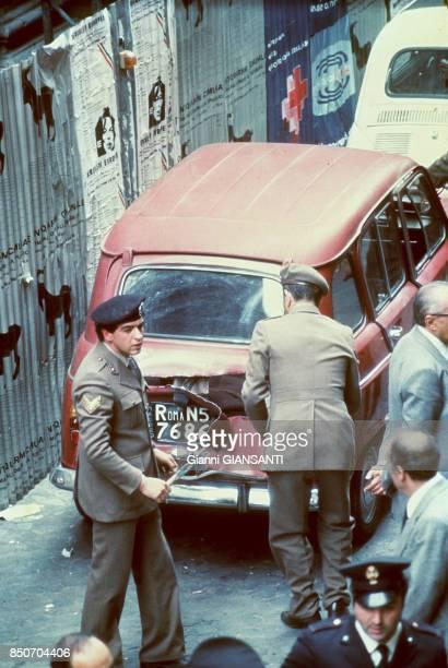 La dépouille mortelle de l'homme politique Aldo Moro assassiné par les Brigades rouges découvert dans le coffre arrière d'une Renault 4 dans le...