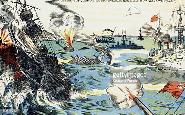 La flotte anglaise contre des croiseurs allemands lors d'une bataille navale au large d'Heligoland en Allemagne
