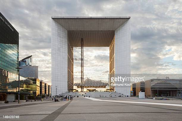 La Grande Arche at sunset