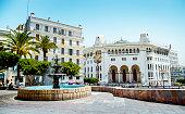 """La Grande Poste d'Alger est un édifice de style néo-mauresque, (ou, plus précisément, du style appelé """"arabisance"""") construit à Alger en 1910 par les architectes Voinot et Toudoire."""