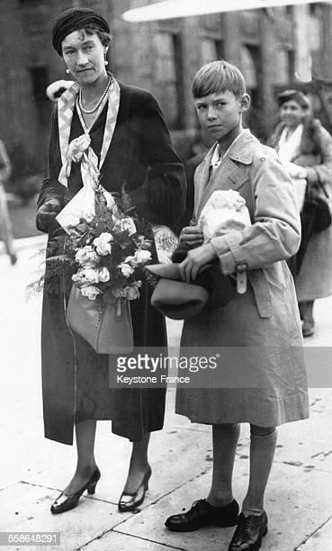 La GrandeDuchesse Charlotte de Luxembourg et son fils le Prince Jean de Luxembourg arrivent à l'aérodrome pour la rentrée scolaire du prince en...