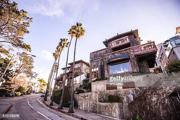 La Jolla Coast Walk with restaurant CrabCatcher