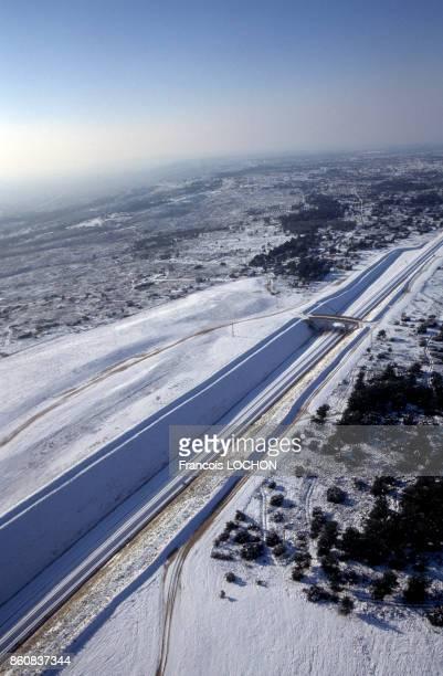 La ligne du TGV sous la neige en 2001 France