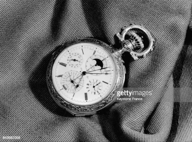 La montre la plus compliquée du monde faite par Leroy pour le comte Carvalho Monte Iro lors de l'exposition de la montre française en Espagne le 15...