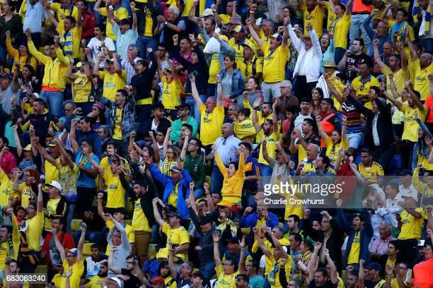La Palmas fans celebrate a goal during the La Liga match between UD Las Palmas and Barcelona at Estadio de Gran Canaria on May 14 2017 in Las Palmas...