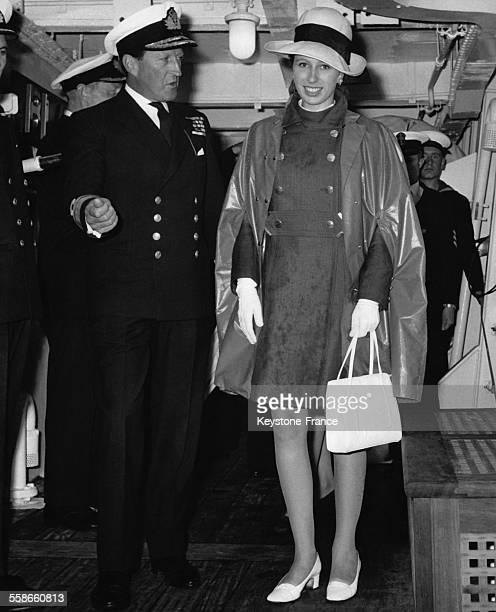 La Princesse Anne à bord du 'HMS Blake' lors d'une revue de la flotte britannique par la famille royale le 28 juillet 1969 à Torbay RoyaumeUni
