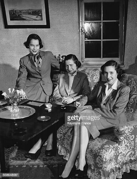 La Princesse Dorothée von Salviati veuve du Prince Guillaume de Prusse et ses deux filles les Princesses Christa et Félicité à leur domicile le 25...