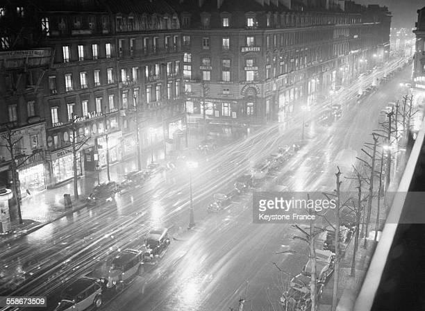 La rue Royale la nuit à Paris France le 9 décembre 1931