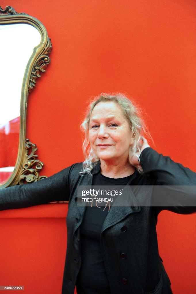 'L'AUTRE FACE D'AGNES B 'CARTE BLANCHE' AU FESTIVAL ART ROCK' La styliste Agnès B pose le 09 mai 2008 à SaintBrieuc dans le cadre de la 25e édition...