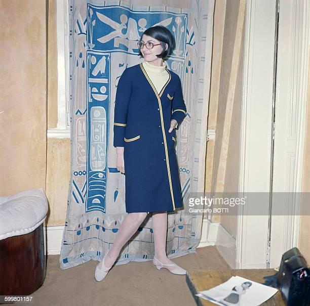 La syliste Emmanuelle Khanh circa 1960 à Paris France