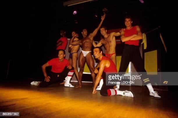 La troupe des Chippendales lors d'un spectacle dans un cabaret circa 1990 à Paris France