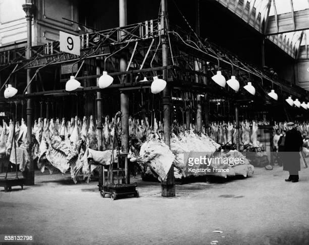 La viande s'entasse dans un abattoir suite à la grève des camionneurs au RoyaumeUni en 1946