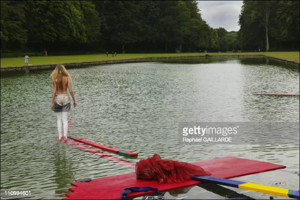 La vraie baigneuse' by Stephan Schwarz and the model Sofia Achaval in backstage 'Autour du Miroir' At Castle Courrances in France On June 18 2004
