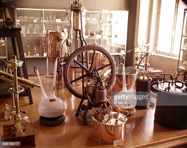 Laboratory instruments used by Louis Pasteur France Musée Pasteur