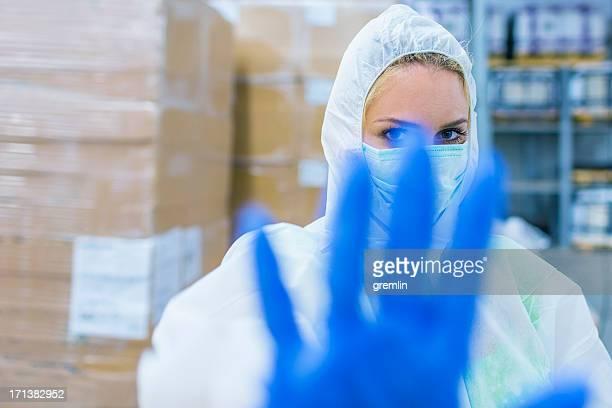 Técnico de laboratorio de la señalización de área restringida
