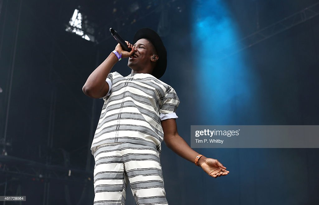 <a gi-track='captionPersonalityLinkClicked' href=/galleries/search?phrase=Labrinth+-+Musician&family=editorial&specificpeople=7211457 ng-click='$event.stopPropagation()'>Labrinth</a> performs on stage at Wireless Festival at Finsbury Park on July 5, 2014 in London, United Kingdom.