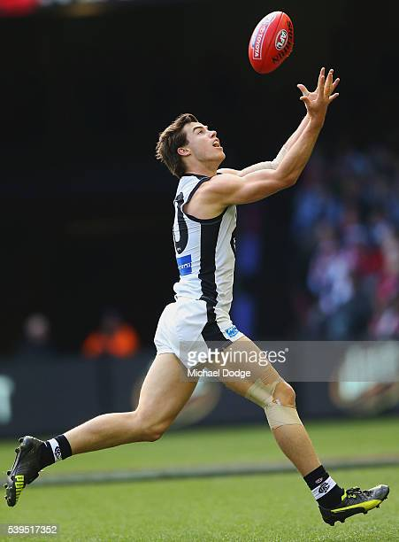 Lachie Plowman of the Blues marks the ball during the round 12 AFL match between the St Kilda Saints and the Carlton Blues at Etihad Stadium on June...