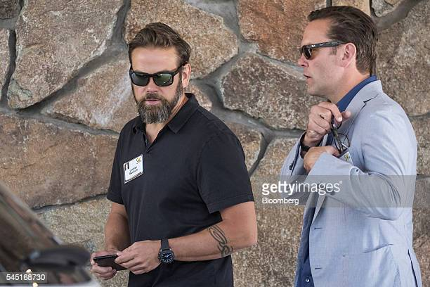 Lachlan Murdoch cochairman of TwentyFirst Century Fox Inc left and James Murdoch chief executive officer of TwentyFirst Century Fox Inc arrive for...