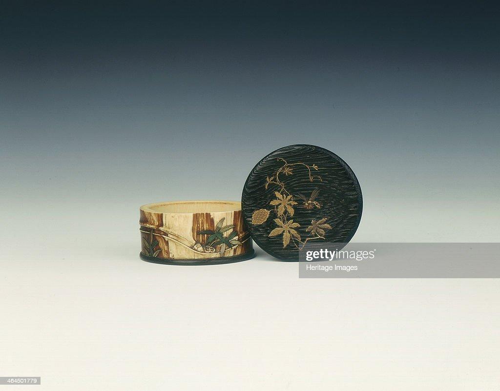 Lacquered wood and ivory Shibayama circular box late Edo period Japan early 19th century A small circular wood and ivory box The lid is made of...