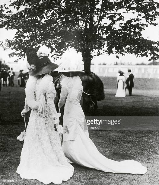 Ladies dressed to promenade on the Rennplatz Berlin Germany Photography Around 1905 [Damen in 'Promenadenkleidern' auf dem Rennplatz Berlin...