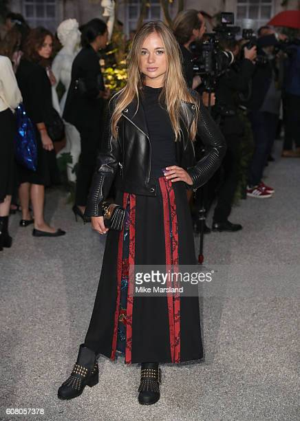 Lady Amelia Windsor attends the Burberry show during London Fashion Week Spring/Summer collections 2016/2017 on September 19 2016 in London United...