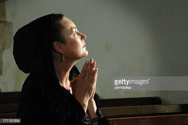 Lady em Oração