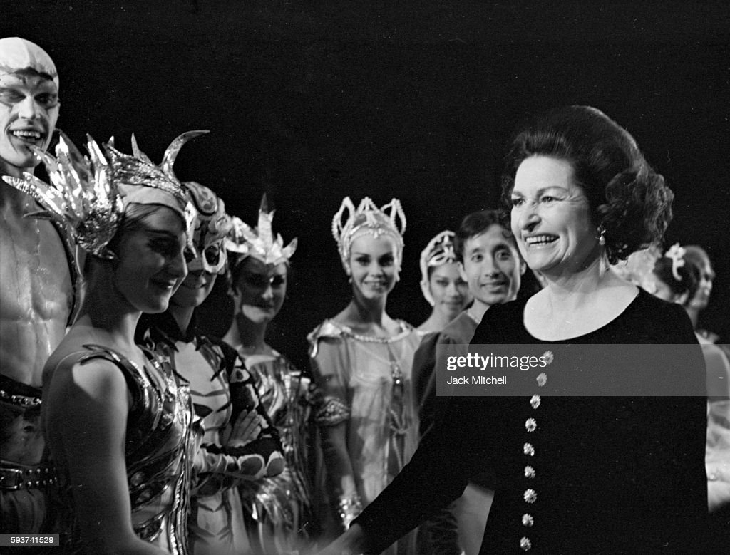 <a gi-track='captionPersonalityLinkClicked' href=/galleries/search?phrase=Lady+Bird+Johnson&family=editorial&specificpeople=100435 ng-click='$event.stopPropagation()'>Lady Bird Johnson</a> congratulating Harkness Ballet dancers after a performance on November 10, 1967.