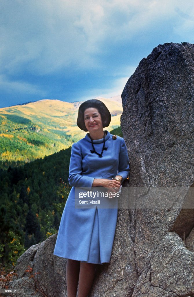<a gi-track='captionPersonalityLinkClicked' href=/galleries/search?phrase=Lady+Bird+Johnson&family=editorial&specificpeople=100435 ng-click='$event.stopPropagation()'>Lady Bird Johnson</a> posing for a photo on May 7, 1964 in Phoenix, Arizona.