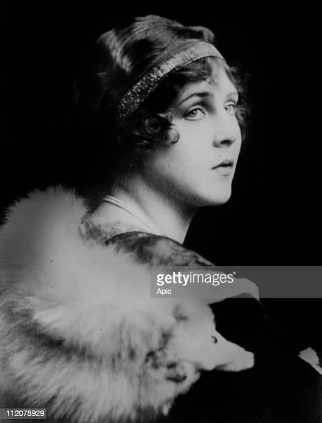 Lady Diana Cooper Viscountess Norwich english socialite and actress c 1915