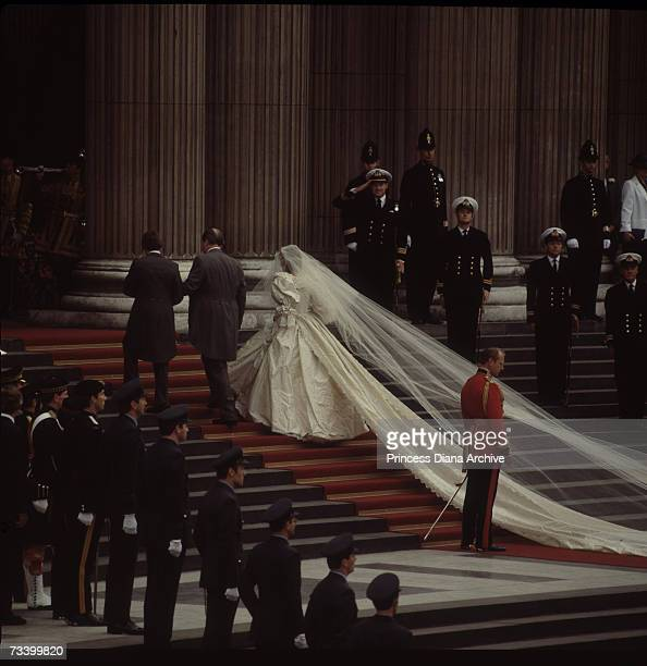 Lady Diana Spencer and her father Earl Spencer arrive at St Paul's Cathedral on the day of her wedding to the Prince of Wales 29th July 1981