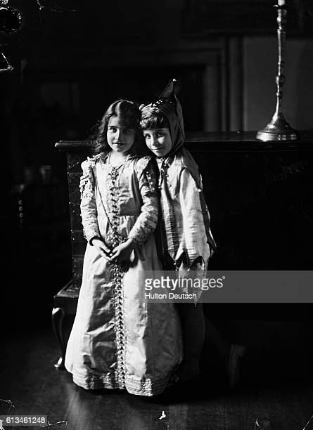 Lady Elizabeth BowesLyon and her brother in fancy dress costumes Lady BowesLyon will later become first the Duchess of York then Queen Elizabeth of...