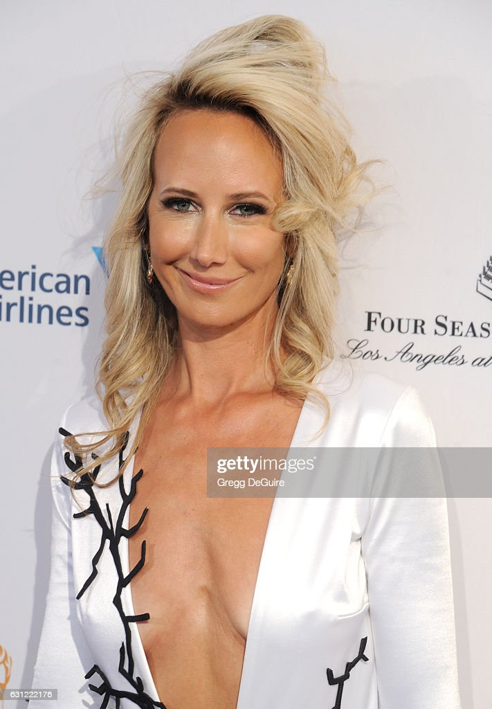 Lady Victoria Hervey arrives at The BAFTA Tea Party at Four Seasons Hotel Los Angeles at Beverly Hills on January 7, 2017 in Los Angeles, California.