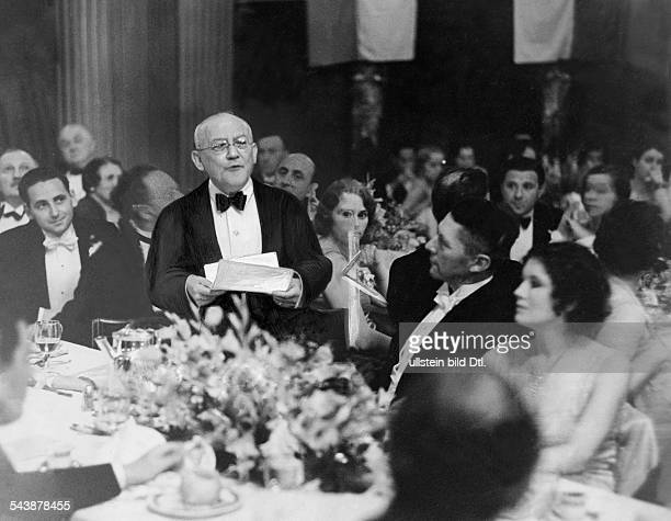 Laemmle Carl Film Producer USA*17011867President of the Universal Pictures Corporation at a dinner in Hollywood Photographer Erich Salomon Published...
