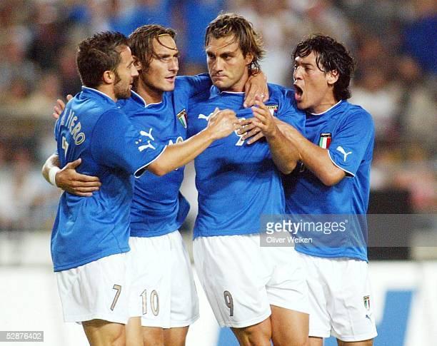 Laenderspiel 2003 Stuttgart Deutschland Italien 01 Alessandro DEL PIERO Francesco TOTTI Christian VIERI Mauro CAMORANESI/ITA