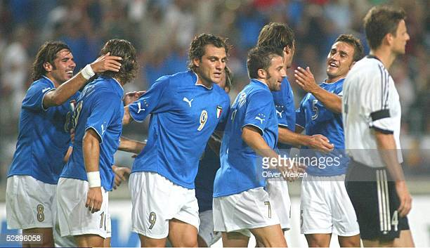 Laenderspiel 2003 Stuttgart Deutschland Italien Jubel zum 01 Simone PERROTTA Francesco TOTTI Christian VIERI Alessandro DEL PIERO Fabio...