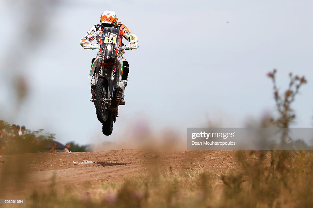 <a gi-track='captionPersonalityLinkClicked' href=/galleries/search?phrase=Laia+Sanz&family=editorial&specificpeople=6375594 ng-click='$event.stopPropagation()'>Laia Sanz</a> of Spain riding on and for KTM 450 RALLY REPLICA KTM RACING TEAM competes in the Dakar Rally Prologue on January 2, 2016 outside Buenos Aires near Ariecifes, Argentina.