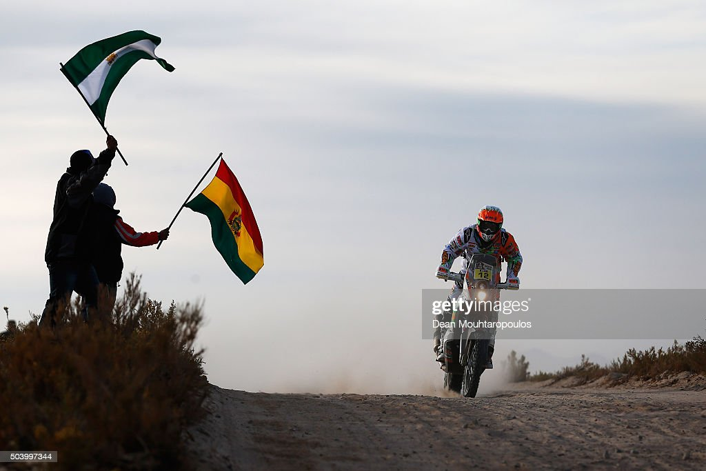 <a gi-track='captionPersonalityLinkClicked' href=/galleries/search?phrase=Laia+Sanz&family=editorial&specificpeople=6375594 ng-click='$event.stopPropagation()'>Laia Sanz</a> of Spain riding on and for KTM 450 RALLY REPLICA KTM RACING TEAM competes on day 6 during stage six of the 2016 Dakar Rally on January 8, 2016 in near Uyuni, Bolivia.