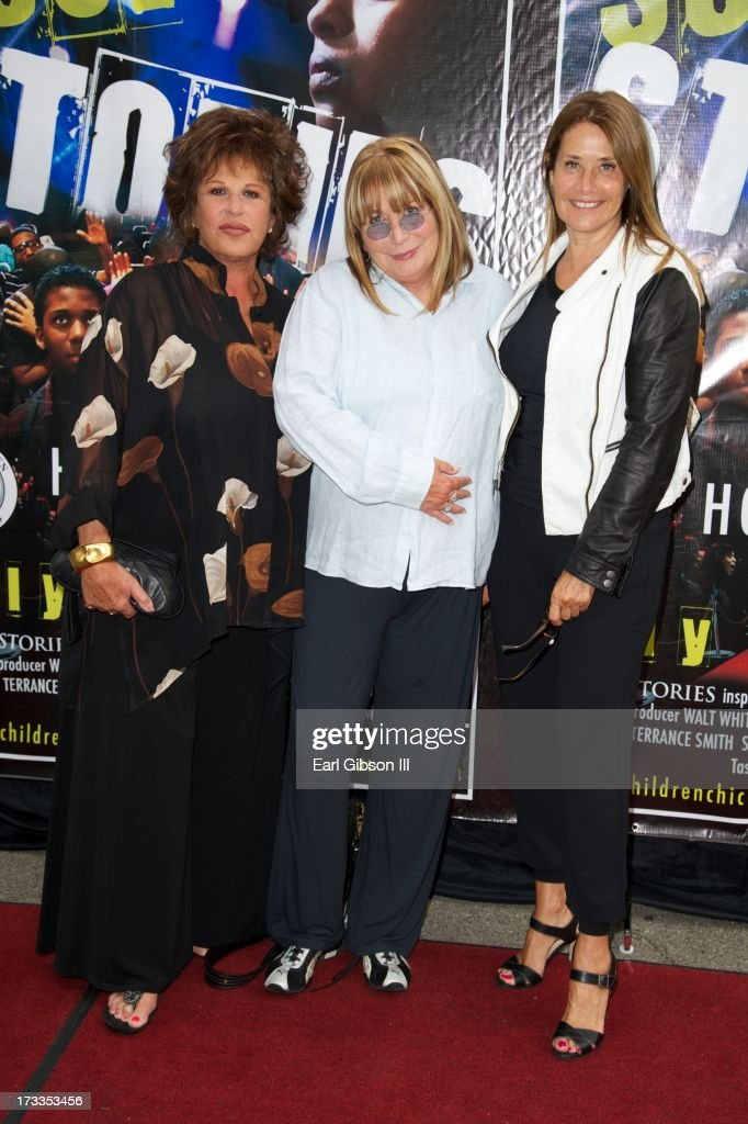 <a gi-track='captionPersonalityLinkClicked' href=/galleries/search?phrase=Lainie+Kazan&family=editorial&specificpeople=215362 ng-click='$event.stopPropagation()'>Lainie Kazan</a>, <a gi-track='captionPersonalityLinkClicked' href=/galleries/search?phrase=Penny+Marshall&family=editorial&specificpeople=202999 ng-click='$event.stopPropagation()'>Penny Marshall</a> and <a gi-track='captionPersonalityLinkClicked' href=/galleries/search?phrase=Lorraine+Bracco&family=editorial&specificpeople=202545 ng-click='$event.stopPropagation()'>Lorraine Bracco</a> attend the premiere of 'Soul Stories' at Historic American Legion - Post 43 on July 11, 2013 in Los Angeles, California.