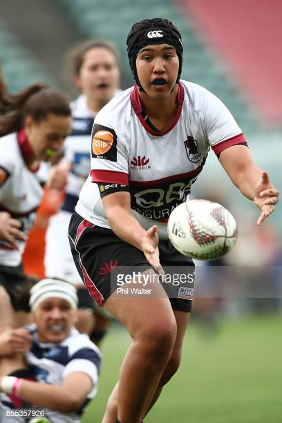Laishon Jones of North Harbour passes during the round five Farah Palmer Cup match between North Harbour and Auckland at QBE Stadium on September 29...