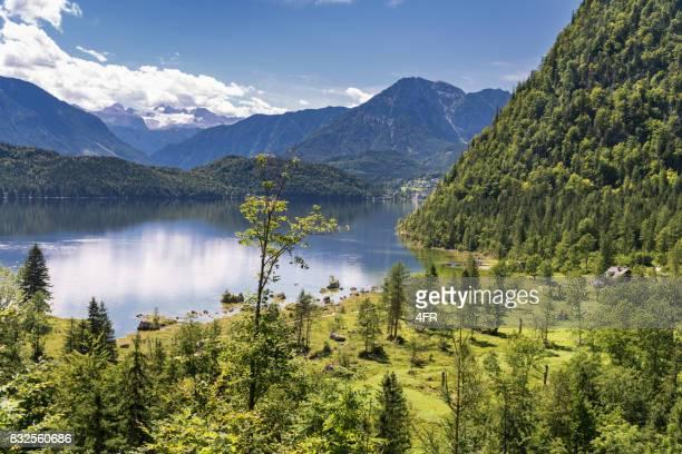 Altausseer See mit Seewiese und Dachstein Gletscher, Österreich