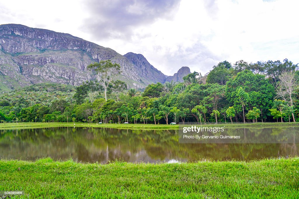 Lake and Mountain : Foto de stock
