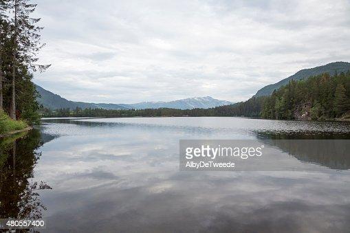Lake Monsvatnet (Flatlandsmo, Voss, Norway) : Stock Photo