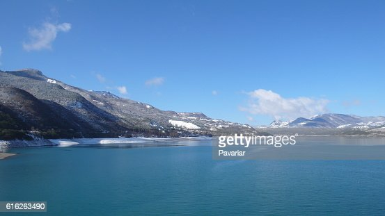Lago de los alpes : Stock Photo