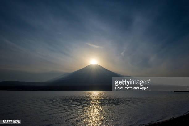 Lake Yamanaka Diamond Fuji