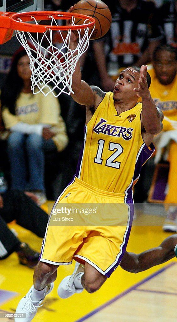 Lakers guard Shannon Brown drives to the basket in the second quarter of Game 1 of the NBA FInals at Staples Center on Thursday JUne 3 2010