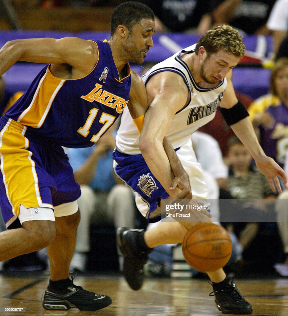 Lakers Rick Fox goes for the steal on Kings Hedo Turkoglu in Game