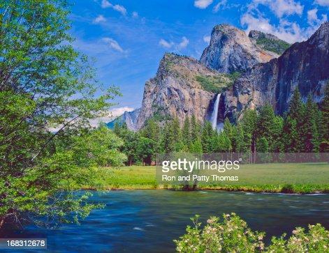 Lakeside view of Yosemite National Park in California, USA